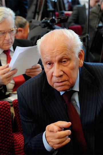 9января на89-м году жизни умер последний председатель ВССССР Анатолий Иванович Лукьянов, который сыграл свою роль всамых переломных событиях вистории страны 30-летней давности