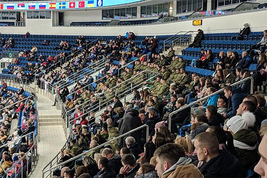 Очевидно, что огромная «Минск-Арена» слишком велика для таких соревнований. Нет, вМоскве при таких ценах былбы аншлаг, новБеларуси нет такого ажиотажа вокруг фигурного катания