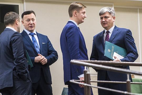 Радик Гилманов (справа)большую свою часть выступления посвятил теме разрешения конфликта интересов среди судей