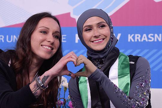 «Загитова – кумир всех мусульман»: фигуристка из ОАЭ вышла на лед в хиджабе