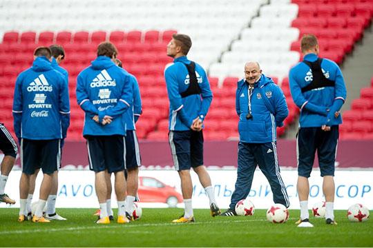 В национальную команду впервые за 2,5 года работы Черчесова не был вызван ни один футболист «Рубина»