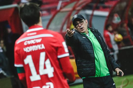 «Бердыев— большой профессионал и, бесспорно, один излучших тренеров страны. Яочень надеюсь, что онбудет ещедолго иплодотворно здесь работать идобиваться больших побед с«Рубином»