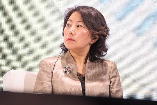 Госпожа Цао напротяжении 10 минут рассказывала опровинции Сычуань