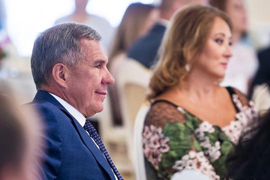 Рустам Миннихановв2018 году заработал 8,5млн рублей,Гульсина Миннихановазаработала куда больше супруга— 154,9млн рублей