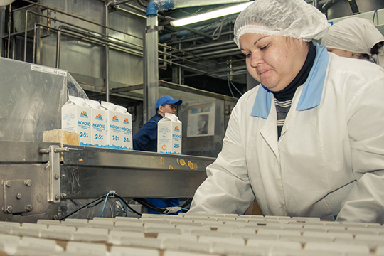 «Кому это выгодно?»: авторов ролика с«резиновым» молоком ищут среди игроков рынка