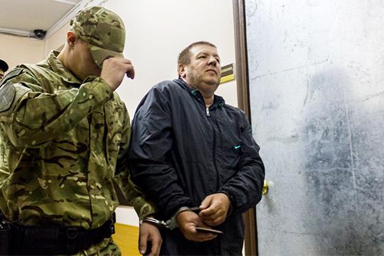 По данным источников, обвиняемый в убийстве и покушении на убийство Ринат Раимджанов хранил при себе записку, адресованную Анатолию Агрбе, который проходит по делу ОПГ «Тукаевские»