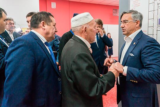 Василь ШайхразиевиКовомногом учли замечания, которые предъявлялись кСтратегию развития татарского народанауровне эскиза