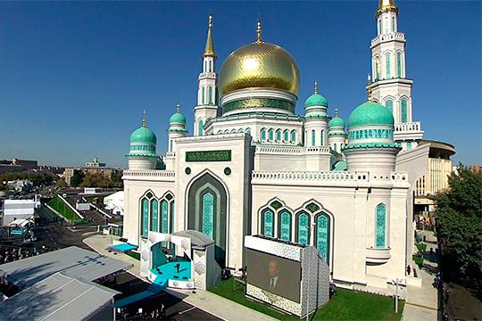 «В присутствии президентов России, Турции и Палестины объявил, сколько Сулейман Керимов вложил в строительство [Соборной мечети]. На весь мир было показано, что человек благодарен Всевышнему»