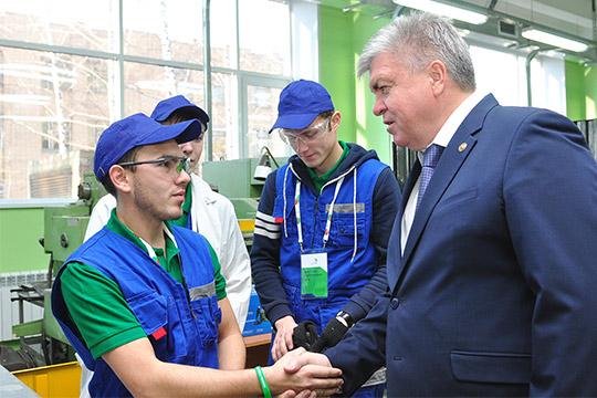 Исполком Челнов: Запять лет число школьников вырастет на25 тысяч