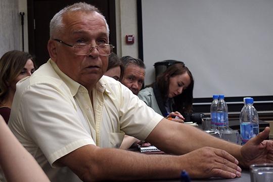 Владимир Алтуховрассказал отом, что вести дела ему мешают производители контрафактных запчастей, которые продаются побросовым ценам