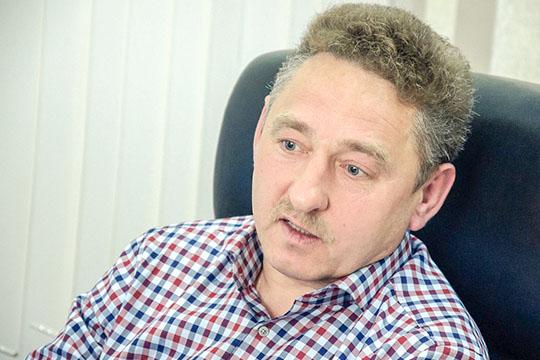 Избирательный штаб Мингалимова возглавилАбдулхак Батюшов— влиятельный вавтограде медиаменеджер, возглавляющий холдинг «СТВ-Медиа», вкоторый входит канал «Рен-ТВ— Набережные Челны» исемь радиостанций.