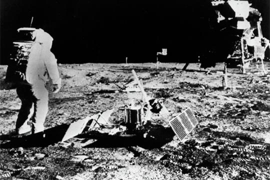 «Чьяже «Марсианская хроника» окажется провиденциальной– Рогозина или Брэдбери?»