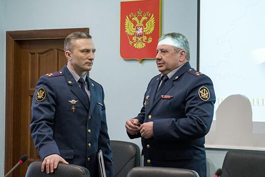 Прибытие наказанскую землю Сычева станет своеобразным испытанием для врио руководителя УФСИНЭдуарда Хиалеева (справа)