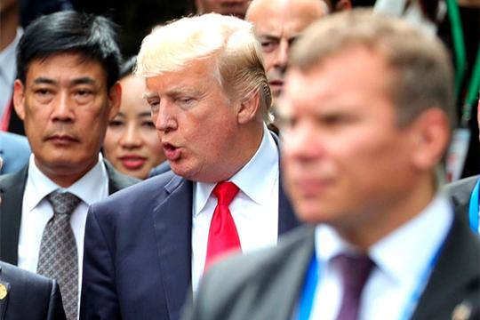 Дональд Трамп называет преступников «психически больными» людьми изаверяет сограждан, что «внашей стране нет места ненависти». Нодемократы нерасположены верить ему