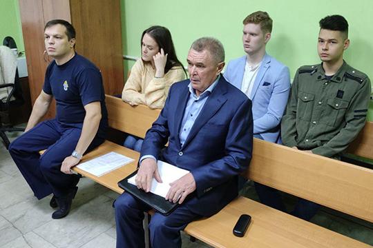 Предврарительное расследование поделу Касымова уже завершено. Объем дела— 10 томов. Нокихизучению депутат еще неприступил