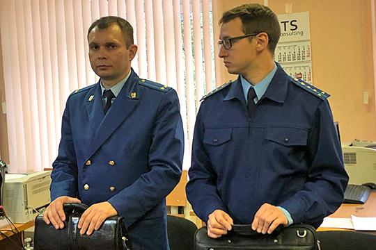 Допрос представителя АСВ, признанного потерпевшим по пяти оставишимся эпизодам дела, вели прокуроры Руслан Губаев и Динар Чуркин