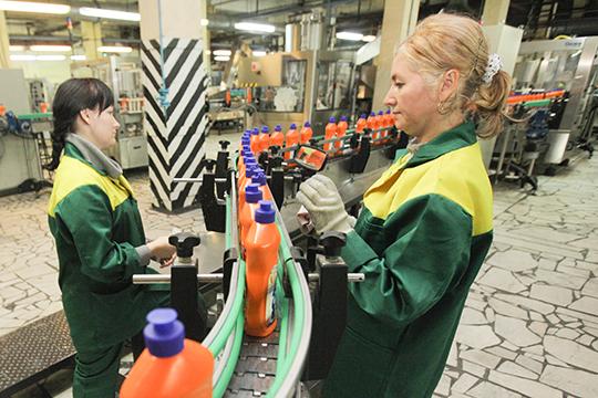 «В Нэфис Косметикс текучка кадров рабочих не превышает одного процента!» — с гордостью сообщил нам на предприятии