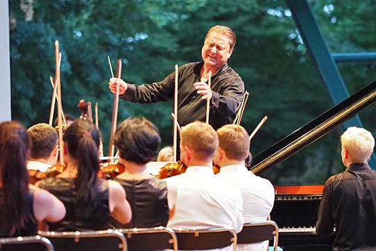 Александр Сладковский: «Музыка, весь музыкальный процесс — это счастье в чистом виде, и я ничего себе другого не желаю»