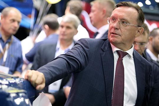 Гендиректор КАМАЗа Сергей Когогин по-прежнему на втором месте рейтинга, несмотря на то, что из-за падения спроса на тягачи в России автогигант понес в первом полугодии огромные убытки