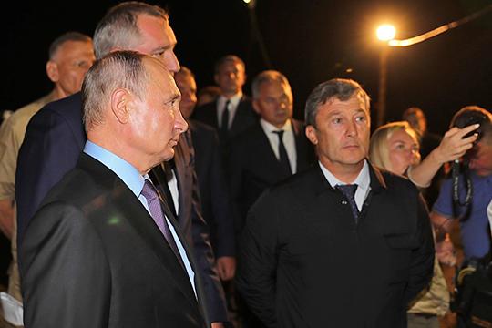 Равиль Зиганшин вернулся в первую десятку.Президент РФ отверг идею привлечь к строительству космодрома «Восточный» компанию Минобороны, которая должна была заменить ПСО «Казань»