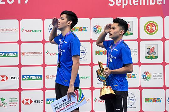 При преимуществе азиатских спортсменов прошел икомандный турнир. Вфинале, продолжавшемся пять часов, сборная Индонезии обыграла соперников изКитая— 3:1. Бронзовые медали укоманд Таиланда иЯпонии