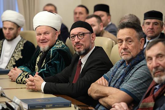 Положительные заключения о тексте перевода были получены от муфтиев, авторов иных тафсиров, ученых лингвистов, филологов и исламоведов