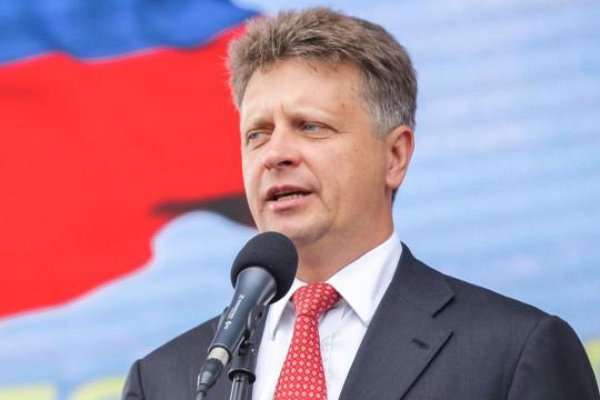 Бывшим министром транспортаМаксимом Соколовымбыл пролоббирован приказ опереходе нановые устройства— как считает лидер казанских перевозчиков, исключительно винтересах отдельных финансовых групп