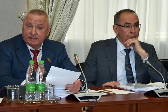 Тахир Хадеев:«Но мы всегда говорим, что Татарстан производит 1/25 части сельхозпродукции России, значит, от триллиона рублей — 40 миллиардов должно быть нам!»