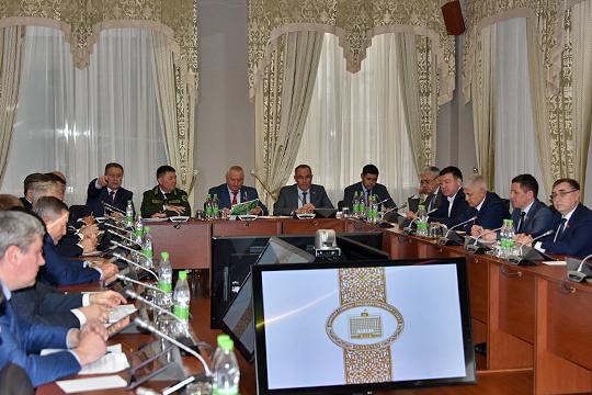В Госсовете РТ депутатам была презентована программа «Комплексное развитие сельских территорий», которая обещает жителям сел Татарстана благоустроенную среду и почти бесплатное жилье