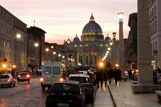 «Италия очень красива исказочна. Мягкий климат, античная архитектура, завораживающая атмосфера, идружественное общение»