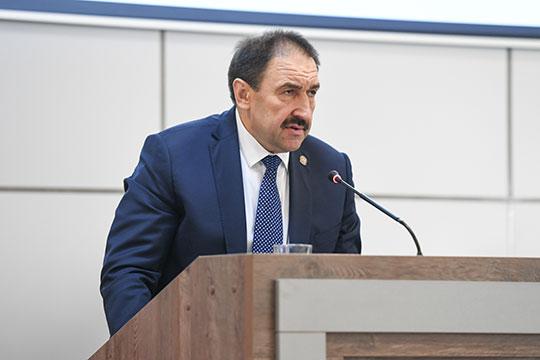 Алексей Песошин обратил внимание на сохраняющуюся высокую налоговую задолженность предприятий республики