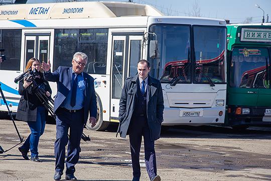 В «Нижнекамском ПАТП» на газу 70 автобусов из 150. Транспорт на газу выгоднее, признает Иванов, но переводить остальные автобусы на голубое топливо не планируется