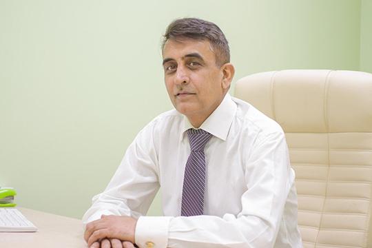 Главврач «МедХан», хирург, уролог-андролог Хан Умар Хаят