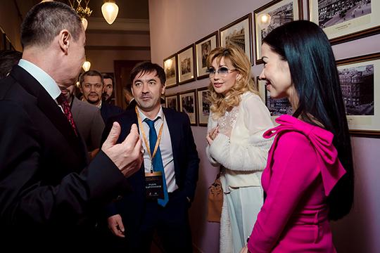 Бизнес-клуб рассчитан на 377 человек. Из них 300 — граждане России, а 77 — резиденты иностранных компаний