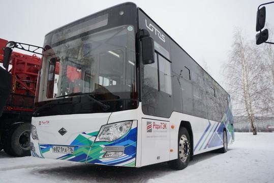 О выводе в город на маршрут №26 первого автобуса Lotos от местной компании «РариТЭК» администрация Набережных Челнов заявила накануне, сообщение быстро собрало почти сотню откликов