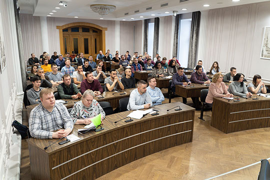 Накануне дирекция парков и скверов собрала казанских бизнесменов в исполкоме столицы РТ, чтобы обсудить аукционы на летнее размещение торговых объектов в зеленых зонах