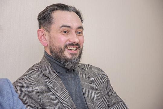 Антон Комлев: «Надо понимать, что кроме пьянок надо людей куда-то еще вывозить. Я бы своих работников сводил в Органный зал»
