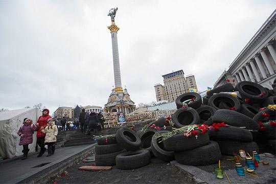 Пожалуй, самым резонансным винтервью можно признать «украинский блок», где Сурков, считающийся одним изавторов идеи создания ДНР иЛНР, доказывает, что является сторонником территориальной целостности соседнего государства