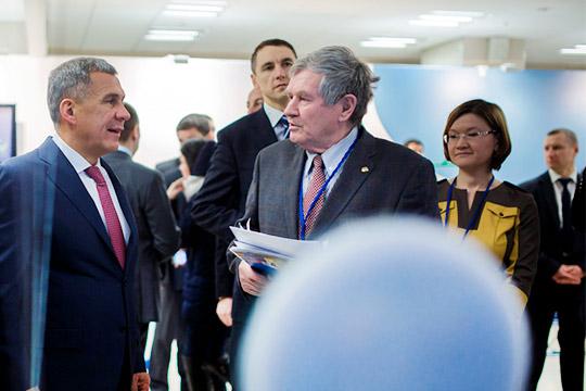 В Татарстане НОЦ создан указом президента РТ Рустама Минниханова на этой неделе. Координировать и интегровать работу центра поручено «Татнефтехиминвест-холдингу» во главе с Рафинатом Яруллиным