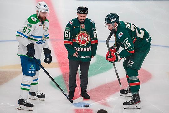 Накануне Данис Зарипов не доиграл матч регулярного чемпионата КХЛ против «Салавата Юлаева» (3:2). Капитан казанской команды покинул лед после повреждения