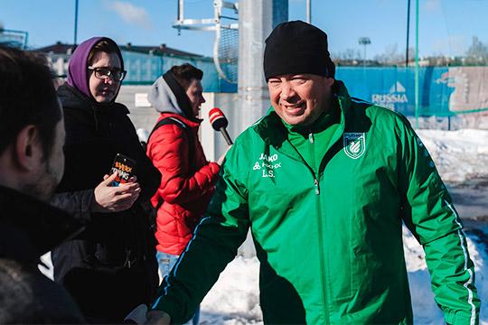 «One touch! Let's go!»: Слуцкий волнуется и ведет тренировку на двух языках