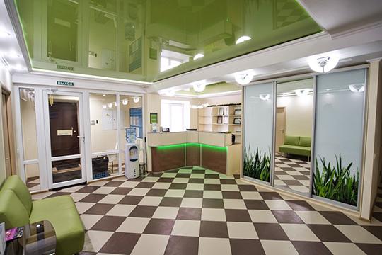 «Недавно мы переехали в новое помещение и теперь в нашем распоряжении 200 квадратных метров, где мы расположили четыре процедурные, рентген и стерилизационный кабинеты»