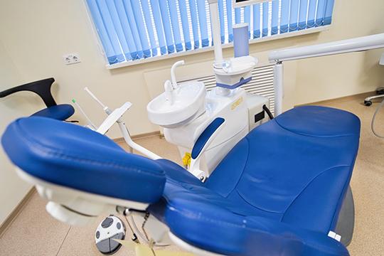 «Если 10-12 лет назад в стоматологию приходили, когда уже не могли терпеть боль, то сейчас другой тренд — в основном приходят за эстетикой»