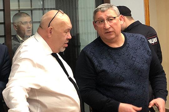 Адвокат Пономарев (справа) напомнил, что есть еще две организации, которые фигурируют в деле — «Арт Кар» и «Биссан»
