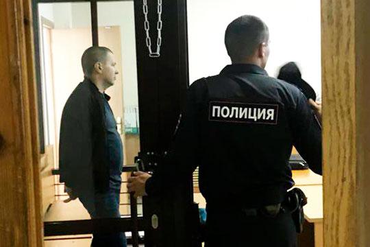 Из фабулы дела известно, что этот эпизод инкриминировали только Стефатову. Его компания ООО «Строительство и консалтинг» ремонтировала здание, но, уверено следствие, смета была завышена