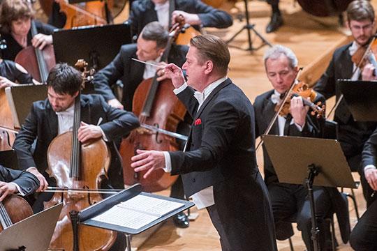 «В марте Государственный симфонический оркестр РТ представит на суд зрителей концертное исполнение оперы «Летучий голландец» Рихарда Вагнера — в Казани и Московской филармонии»