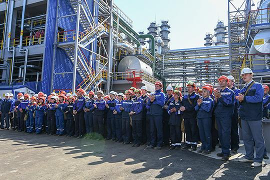 До принятия решения об уходе Бикмурзин разработал реабилитационную программу «12 шагов» для НКНХ, направленную на усиление экологической и промышленной безопасности предприятия