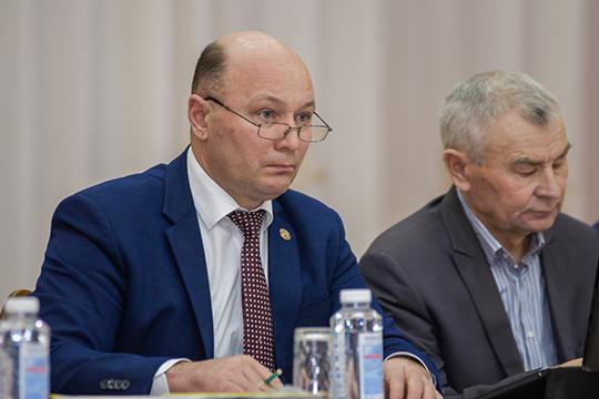 Как говорится в ответе прокурора, материалы проверки направлены в челнинский следственный отдел, а главе района Фаилу Камаеву пока внесено представление об устранении нарушений