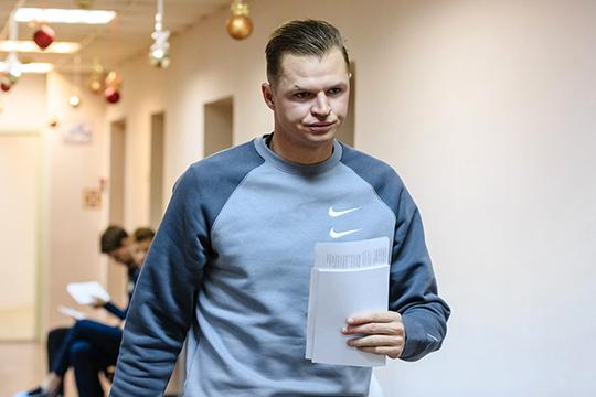 «В случае с Тарасовым есть ещё и человеческая составляющая. Он долго лечился. Показал себя суперпрофессионалом. Все тренировки отрабатывал на сто процентов»