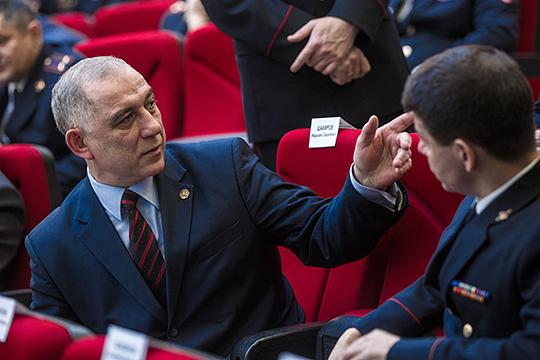 Главы исполкомов четырех районов РТ попали в немилостьшефа антикоррупционного управления Марса Бадрутдинова за несоответствия в декларациях